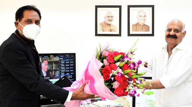 Jack up vaccination drive: Chandigarh Adviser Dharam Pal