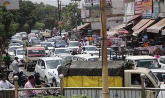 AAP protest leads to traffic snarls, commuters suffer