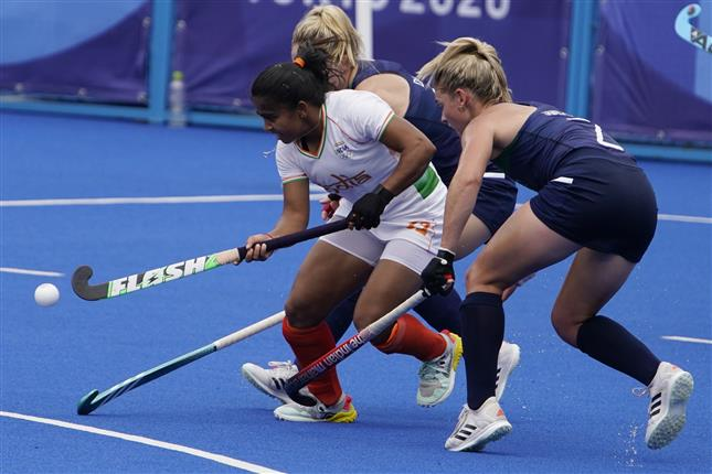 India score late winner to keep QF hopes alive in Olympic women's hockey