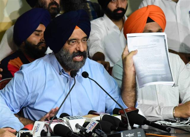 LOC issued against Manjinder Sirsa, police informs Court