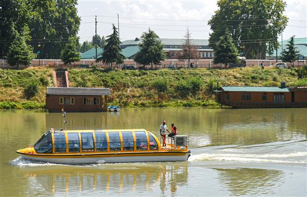 Luxury boat trial conducted on Jhelum to boost tourism