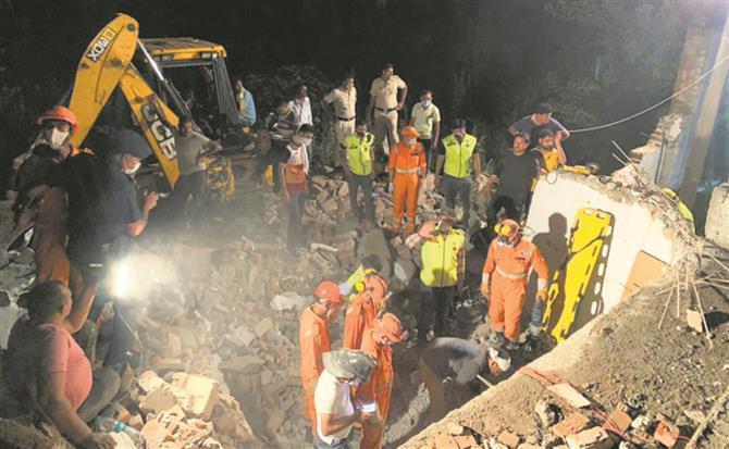 Gurugram building collapse: Khattar announces ex-gratia for family of deceased