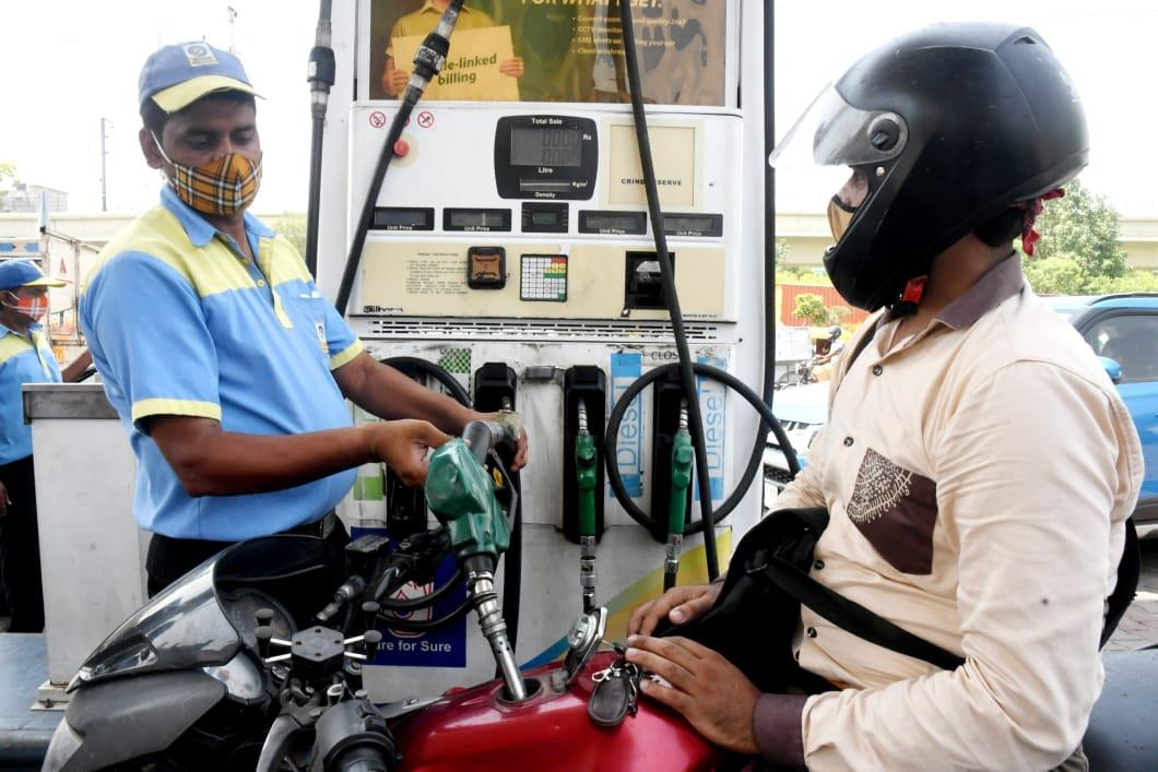 Excise on petrol, diesel gives Rs 94,181 crore in 3 months; Rs 3.35 lakh-crore in FY21