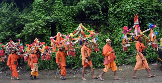 Paonta Sahib cops to block entry of Kanwariyas