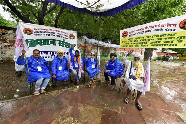 Farmers discuss Contract Farming Act on Day 5 of Kisan Sansad