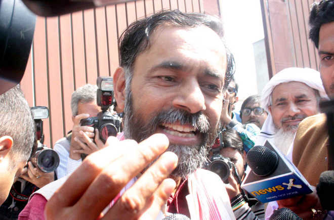 Protesting farmer leaders say they suspect govt snooping on them