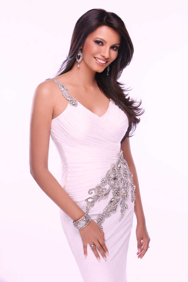Vaidehi Dongre from Michigan crowned Miss India USA