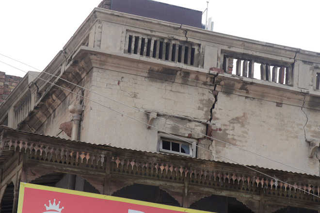 Get 142 unsafe buildings vacated: Ludhiana MC chief to police