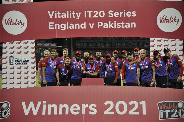 England beat Pakistan by 3 wickets; clinch Twenty20 series 2-1