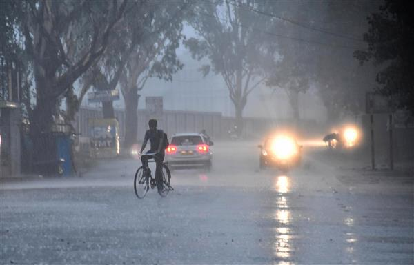 Heavy rains throw life out of gear in Telangana; IMD issues red alert