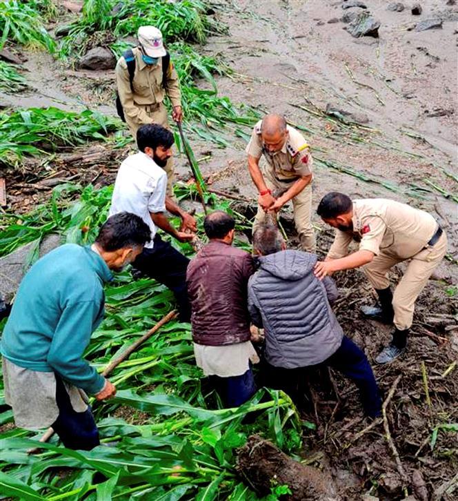 7 killed as cloudburst hits village in J-K's Kishtwar