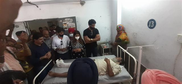 Sonu Sood, sister visit those injured in Moga road accident, announce financial help