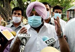 Punjab Congress infighting: 'He commands respect', 10 Congress MLAs bat for Capt Amarinder