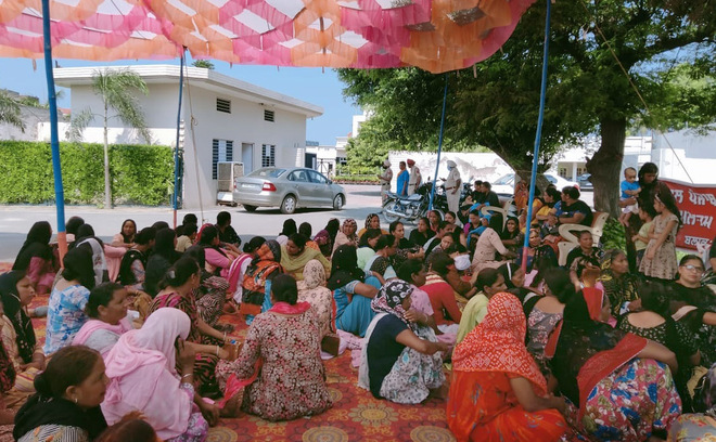 Anganwadi workers sit on hunger strike at Congress MLA's house