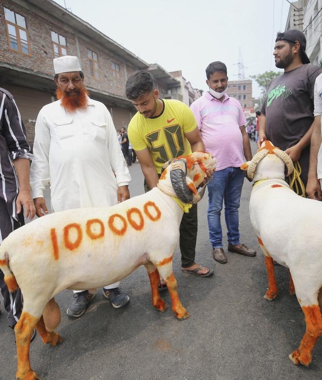 Eid congregational prayers not allowed in Kashmir amid Covid