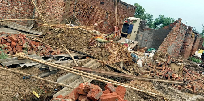 Roof collapse: 4 of family buried under debris, rescued