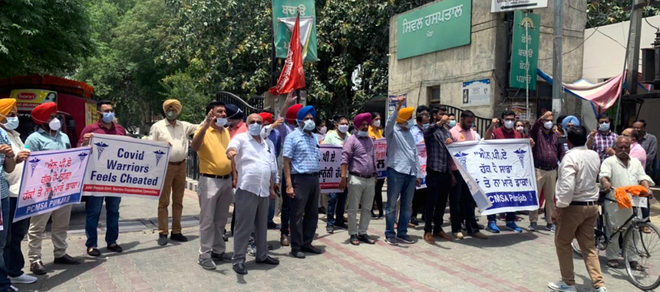 On Doctors' Day, Punjab medicos hit streets against non-practising allowance cut