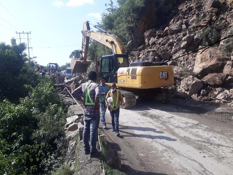 Landslip disrupts traffic on Kalka-Shimla road