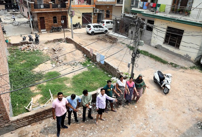 Deep Complex Hallo Majra: MP lays stone ahead of 2019 poll, tile work yet to kick off