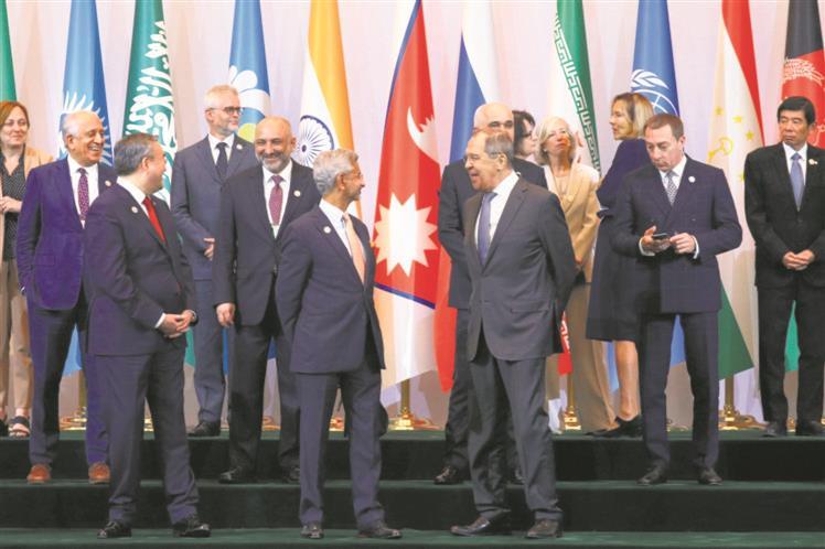Imran Khan, Afghan president Ghani spar at Tashkent meeting