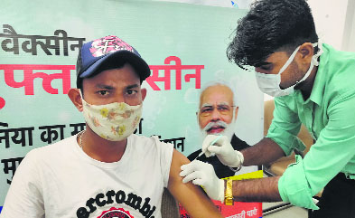 Chandigarh first dose coverage 80%, Centre puts figure at only 33%