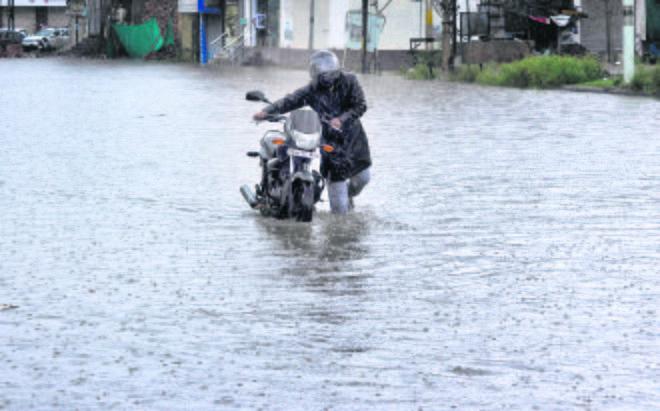 Heavy rain, waterlogging  disrupt life in Patiala city