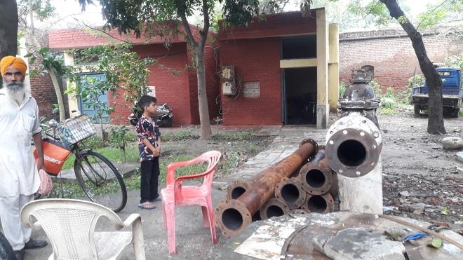 Drinking water crisis deepens in Tarn Taran