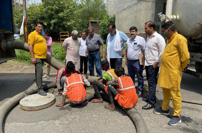 Minister oversees removal of drain encroachments in Ludhiana