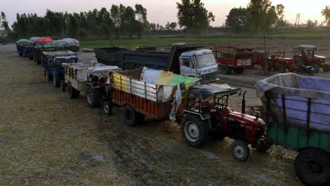 Modified tippers can't carry mined material in Una district