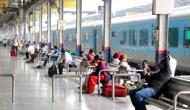 Passenger occupancy on the rise in trains at Amritsar railway station
