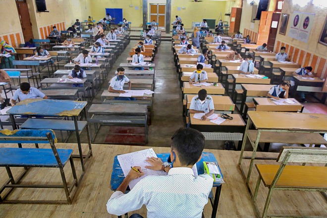 Criteria for opening of colleges & varsities: Final decision to be taken this weekend