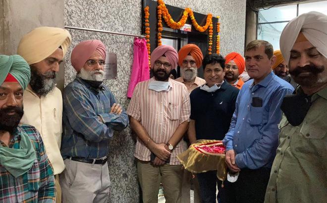 Guru Nanak Dev University, Amritsar, installs lift in administrative block