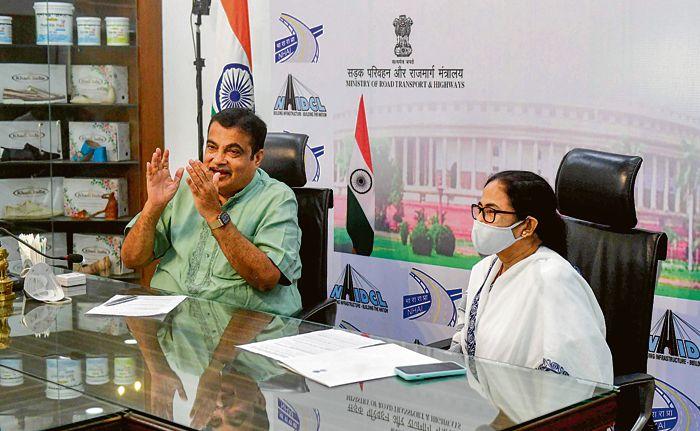 Mamata Banerjee meets Nitin Gadkari, seeks electric vehicle unit in Bengal