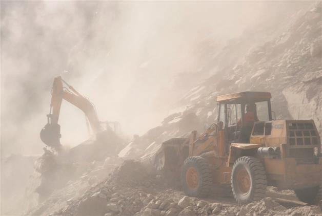 Himachal landslide: 60 tourists still stranded; GSI team arrives today