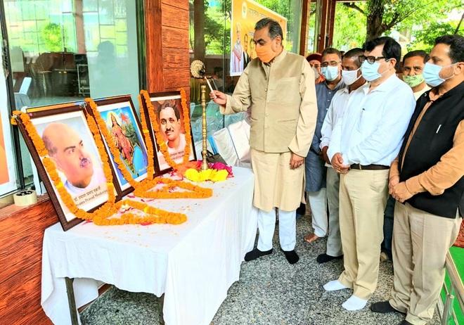 Publicise Himachal govt schemes, Sanjay Tandon asks BJP workers