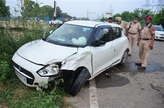3 youth die as car falls into canal