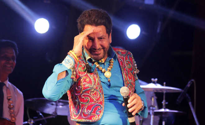 Gurdas Maan lands in fresh controversy : The Tribune India