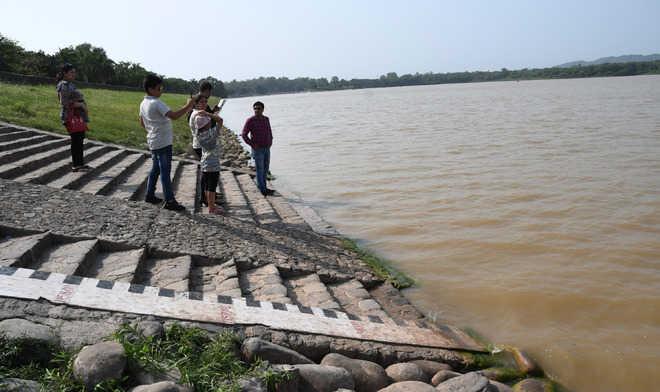 UT again opens Sukhna flood gate after water level reaches near danger mark