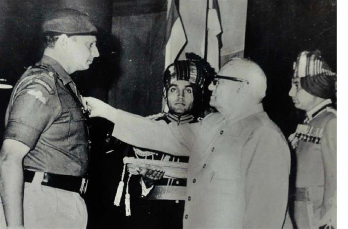 Brigadier Sawai Bhawani Singh, Brigadier Sukhjit Singh, the Maha Virs