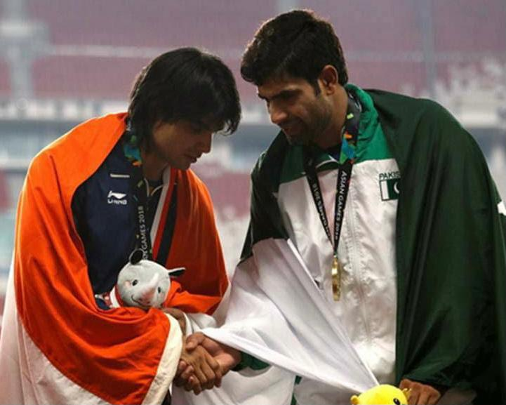 Pakistan's Nadeem, whose pic with Neeraj Chopra went viral, tops group to reach Olympics javelin final