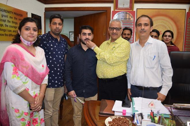 Amritsar  Dav College  boys shine in university exams