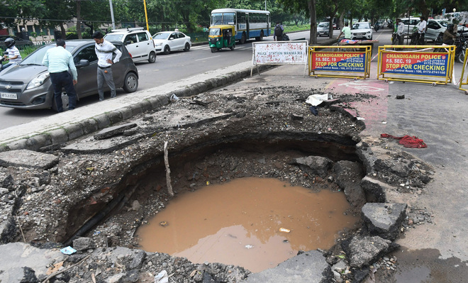Chandigarh: Road caves in near Sector 20 petrol station, commuters harried