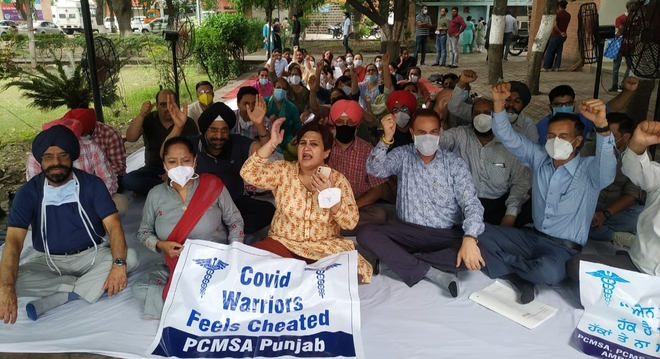 Amritsar: Medical fraternity's protests linger on, no respite for residents