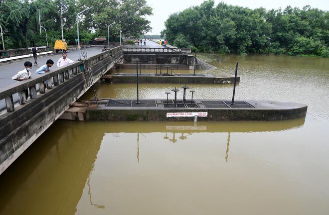 Sukhna Lake water level nears danger mark