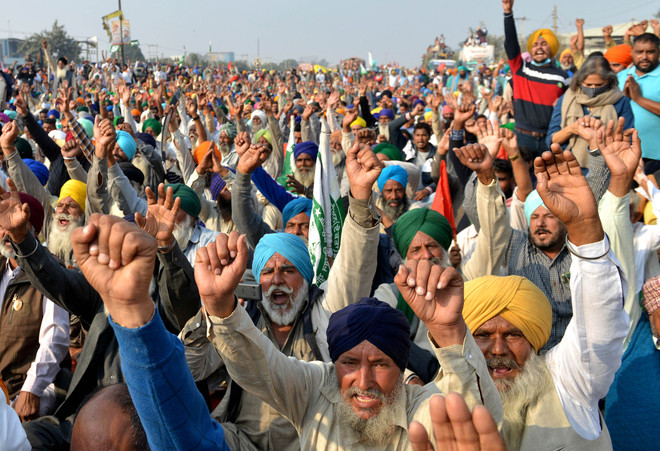 Bharat Bandh: Farmers stop Army convoy in Jalandhar for half an hour
