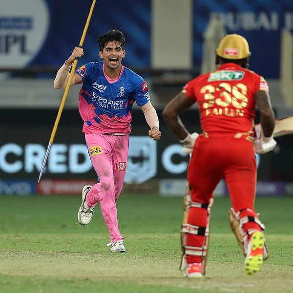 This was how Neeraj Chopra, the Olympic champ, was 'spotted' in Dubai Cricket Stadium during IPL