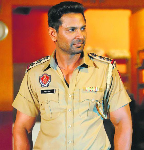 Check out the movie review of Thana Sadar, starring Kartar Cheema