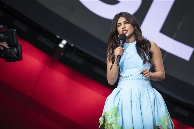 Read why Priyanka Chopra's new trendy attire at Global Citizen Live concert has taken internet by storm