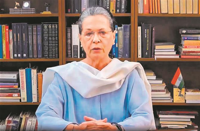 Sidhu fallout: Sonia consults party veterans on the way forward