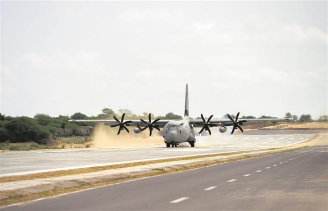 Emergency landing strip on NH for IAF near Pak border